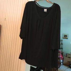 Black flowy blouse. Black. 4x